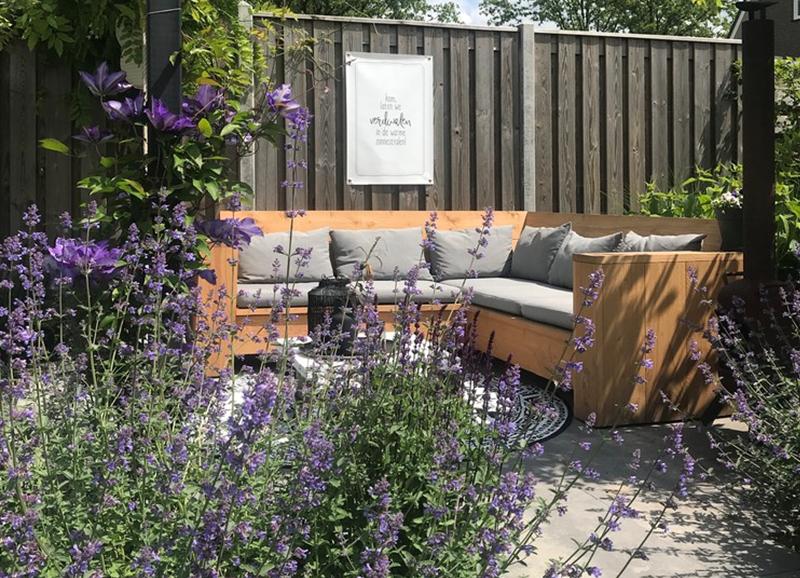 De lente is begonnen! 5 tips om je balkon of tuin klaar te maken
