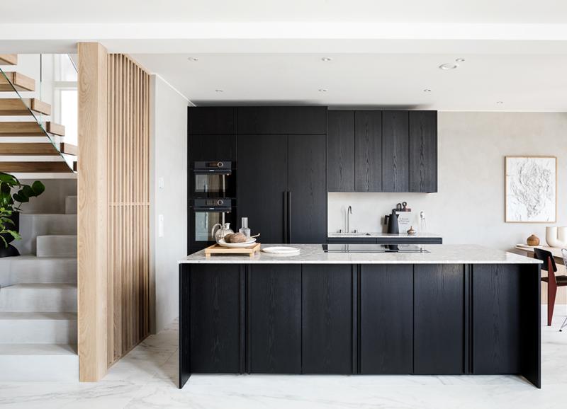 Binnenkijken in dit minimalistische & moderne interieur