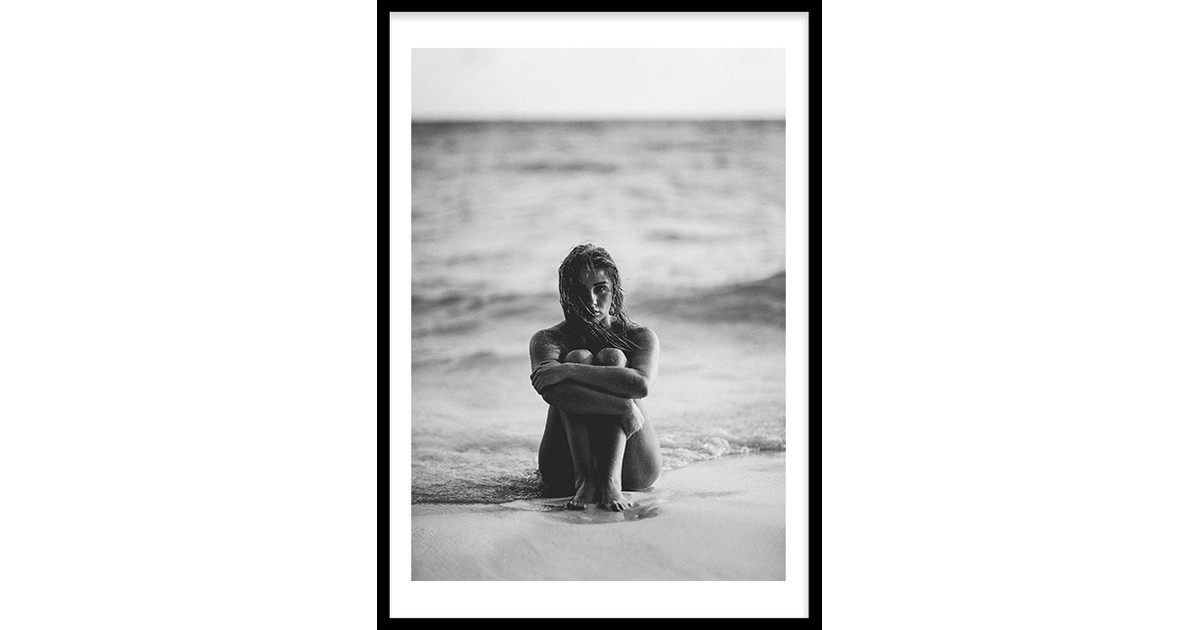 Girl At The Beach Poster (21x29,7cm)
