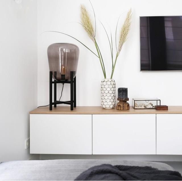26x witte televisiemeubels met houten bovenblad