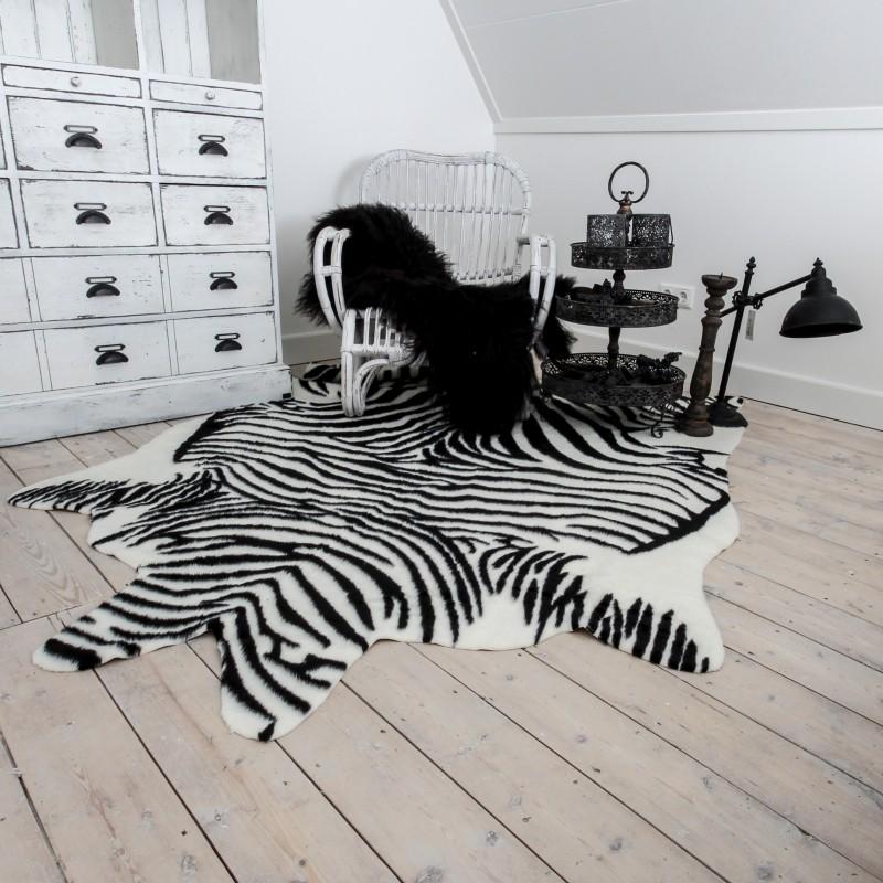 stoel-met-imitatie-huid-zebra