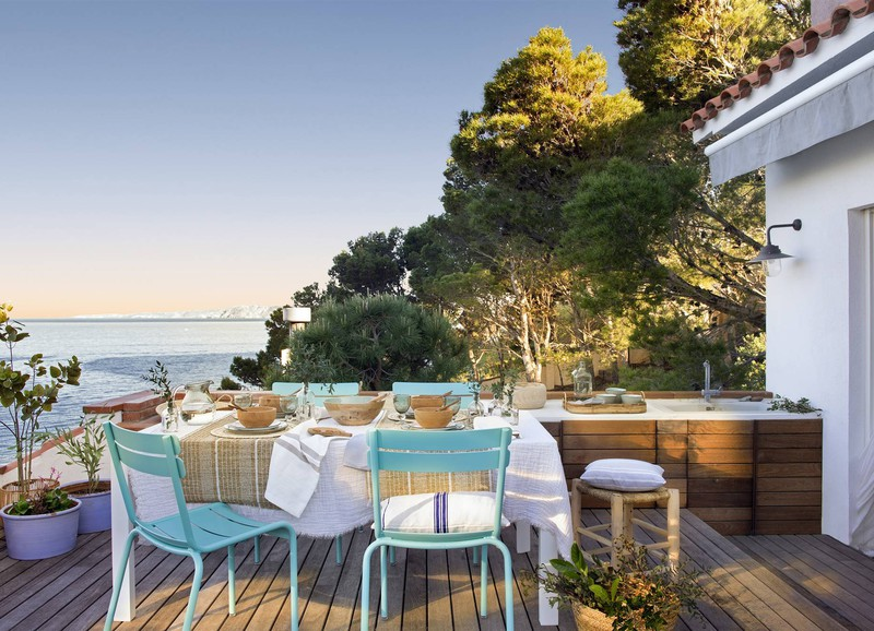 Binnenkijken: klein Spaans appartement met uitzicht op zee