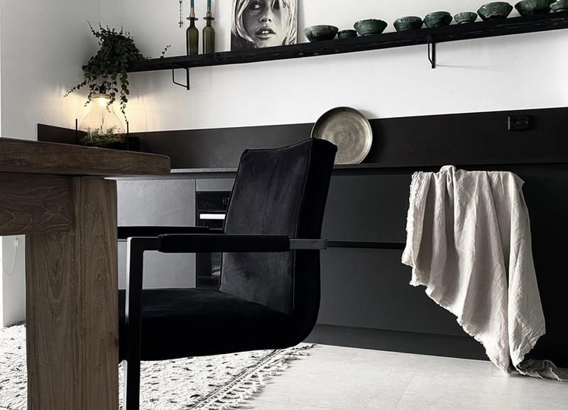 Shop the look: een interieur met weinig kleur