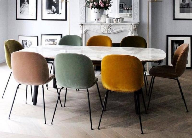 Zo combineer je fluwelen stoelen met een chic glam interieur