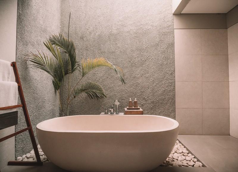Kleine badkamer? 6 tips om 'm groter te laten lijken