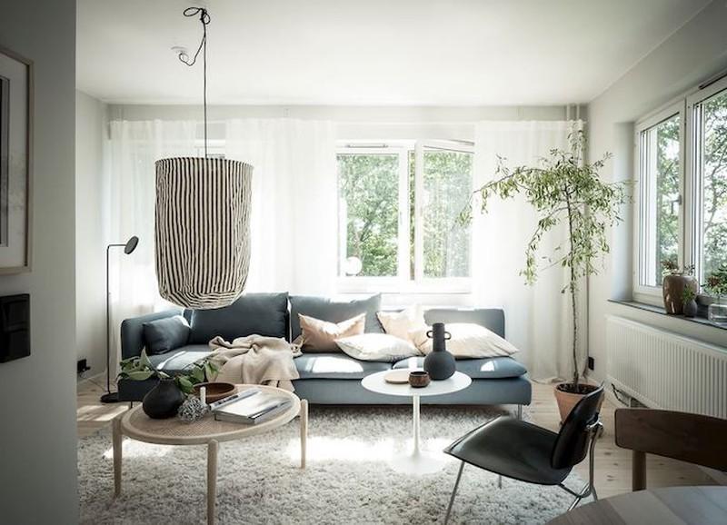 Binnenkijken in een Zweeds huis met blauw, wit en hout