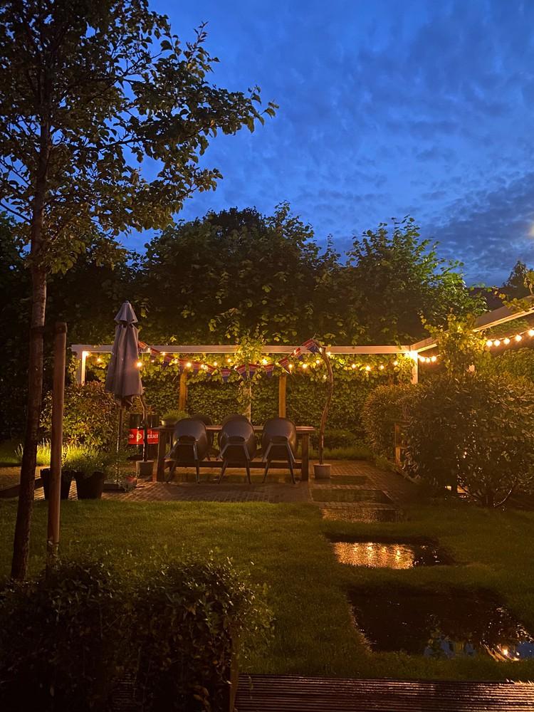 sfeervolle tuinverlichting donker lichtslinger