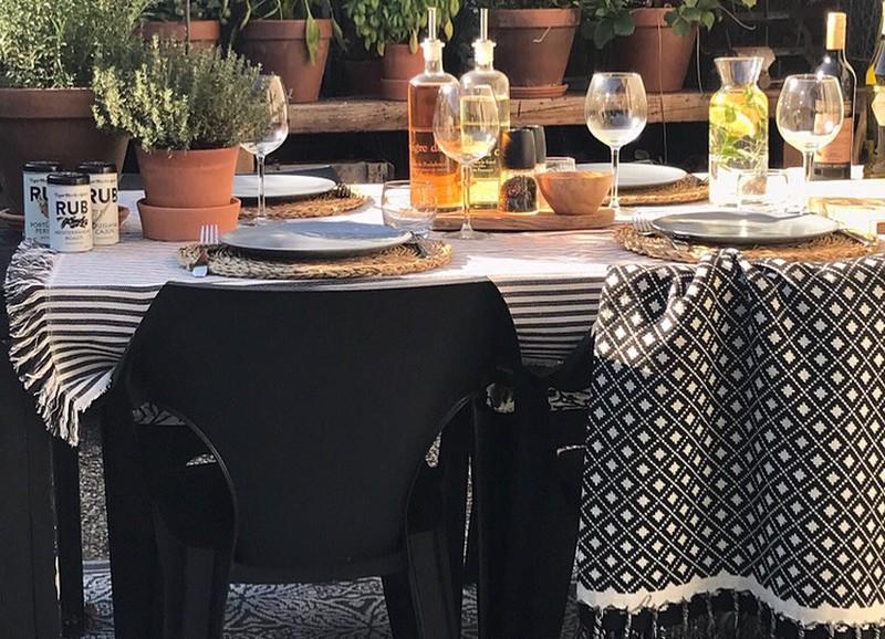 Inspiratie: de leukste manieren om buiten de tafel te dekken