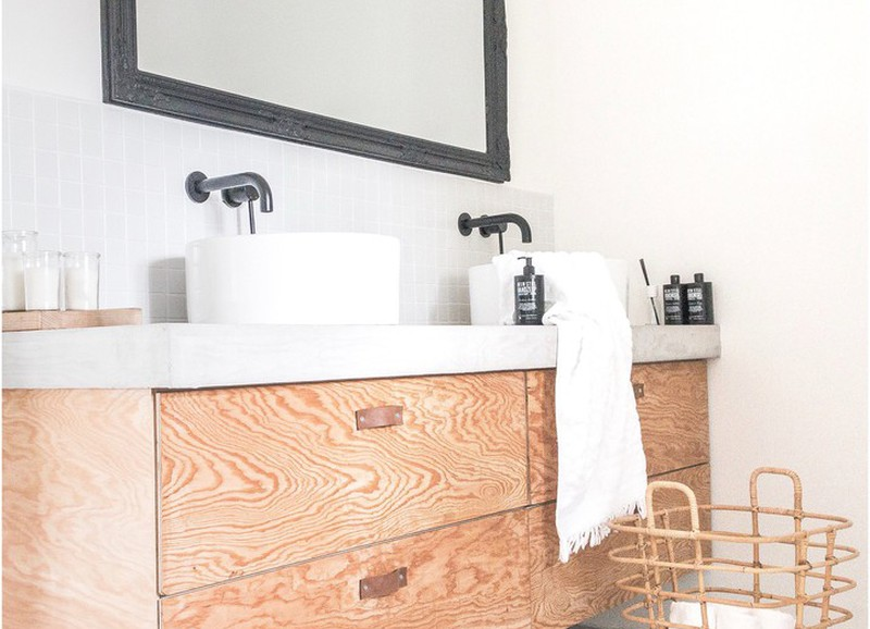 Met deze tips lijkt je badkamer groter