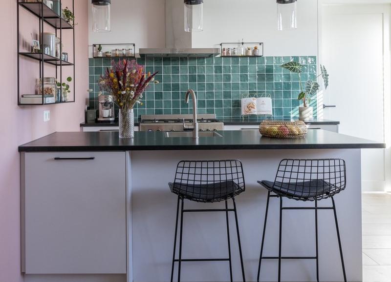 Shop the look: kleurrijke keuken met zwarte details