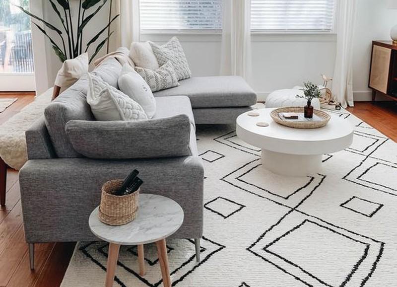 Deze 3 dingen zorgen ervoor dat jouw woonkamer rommelig oogt