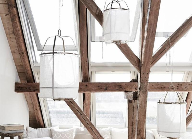 Op onze wishlist: hanglamp van stof en bamboe