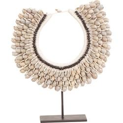 Pole to Pole - E7 - Shell necklace