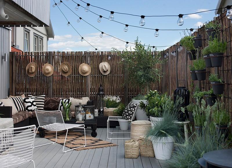 Inspiratie: de leukste tuinen en balkons met een lichtsnoer