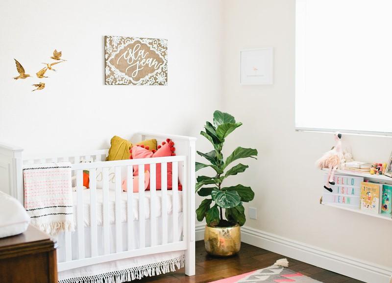 De complete checklist voor de babykamer