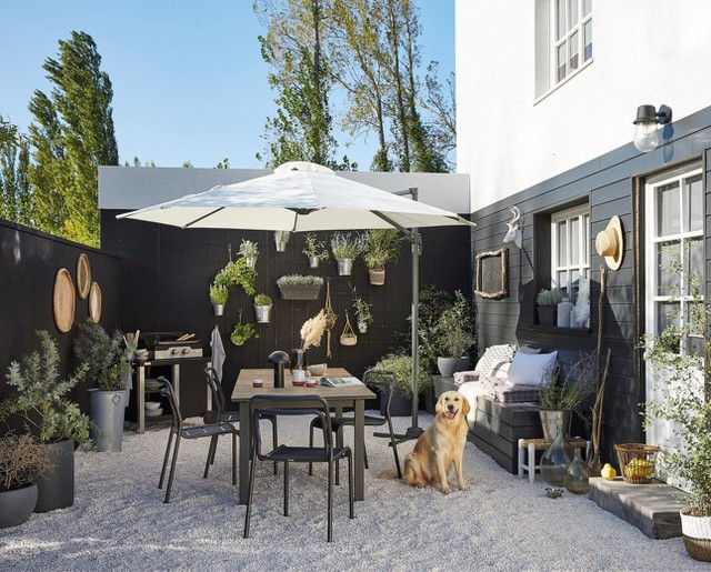 Shop the look: Scandinavisch en Boheems terras met zwarte decoratie