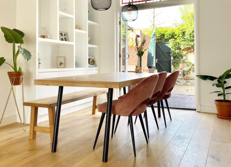 Zo combineer je fluwelen stoelen met een minimalistisch modern interieur
