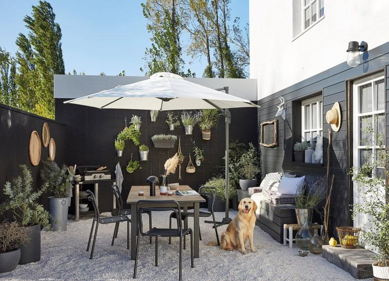 Shop the look: Scandinavisch en Boheems terras met zwarte decoratie