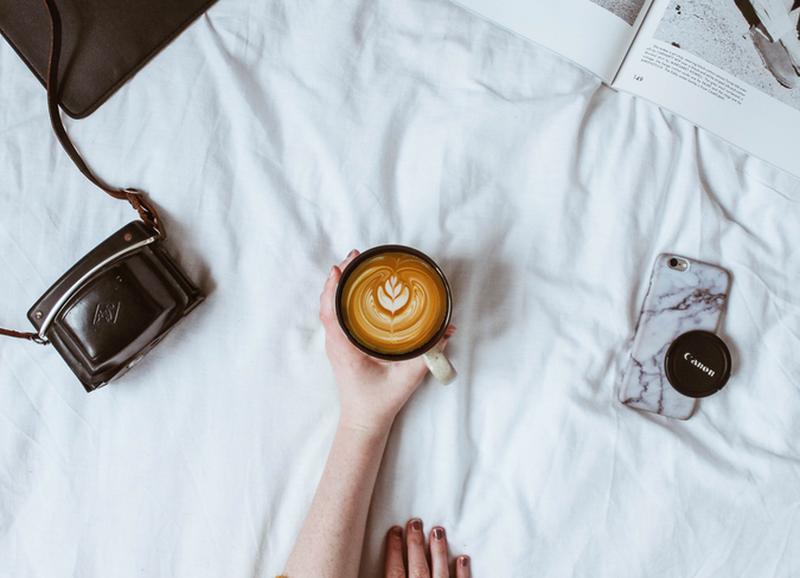 Haal de barista in je naar boven: 5 lekkere koffies die jij gewoon thuis kan maken