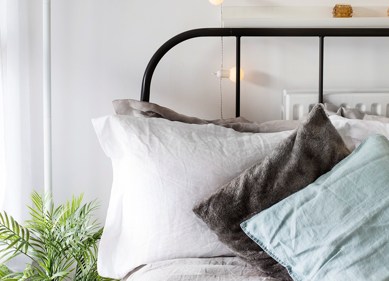 7x waarom een lichtsnoer in de slaapkamer nog steeds heel leuk staat