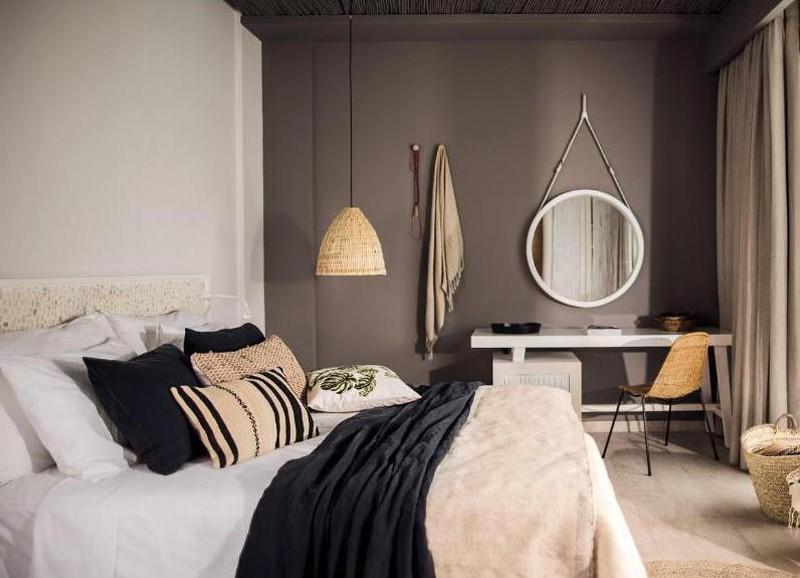 Deze slaapkamers met een donkere muur zijn alles behalve kil