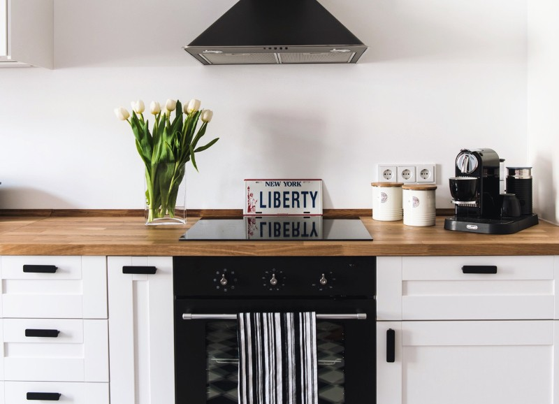 black vs. white - eine Küche in schwarz oder weiß?
