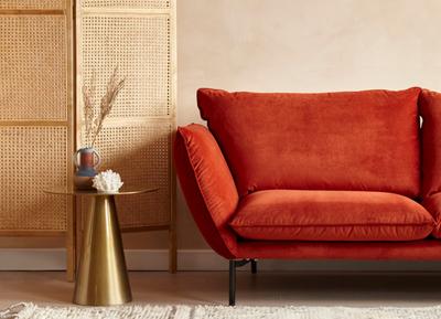 Inspiratie: zo mooi is een oranje bank in je interieur